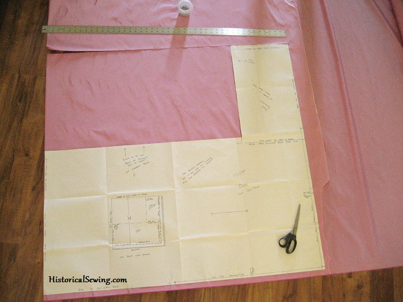Cutting out the asymmetrical overskirt