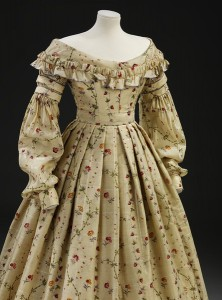 1837-40 Printed Challis Dress at the V&A Museum