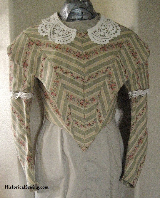 1844 Bodice finished