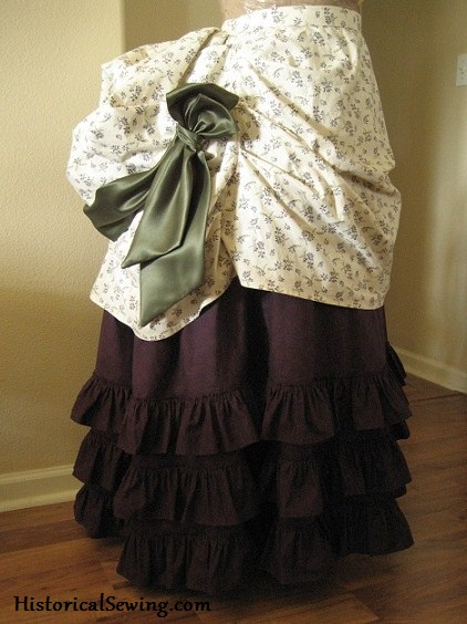 1871 cotton overskirt and skirt with ruffles