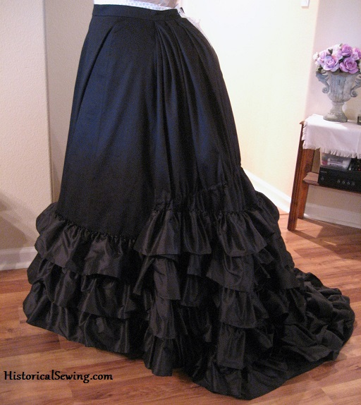 1875 Trained Black Skirt
