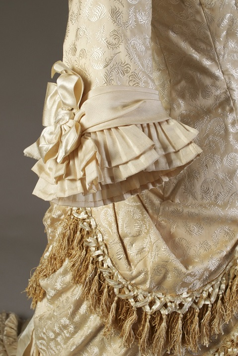 1879 Wedding Gown detail KSUM