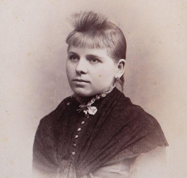 1880s Victorian girl with funny bangs