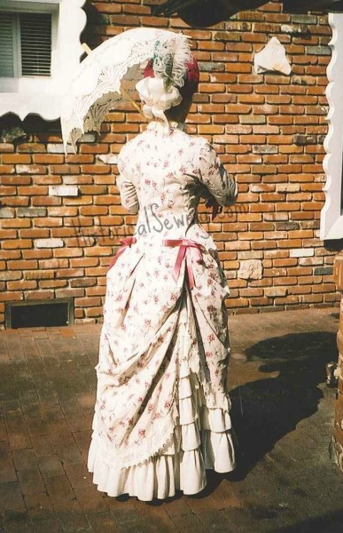 1883 Rose Polonaise back view