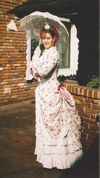 1883 Rose Linen Polonaise