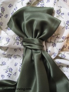 Bow loops made from fabric strips