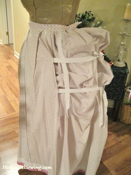 Underskirt bustle side tie tapes
