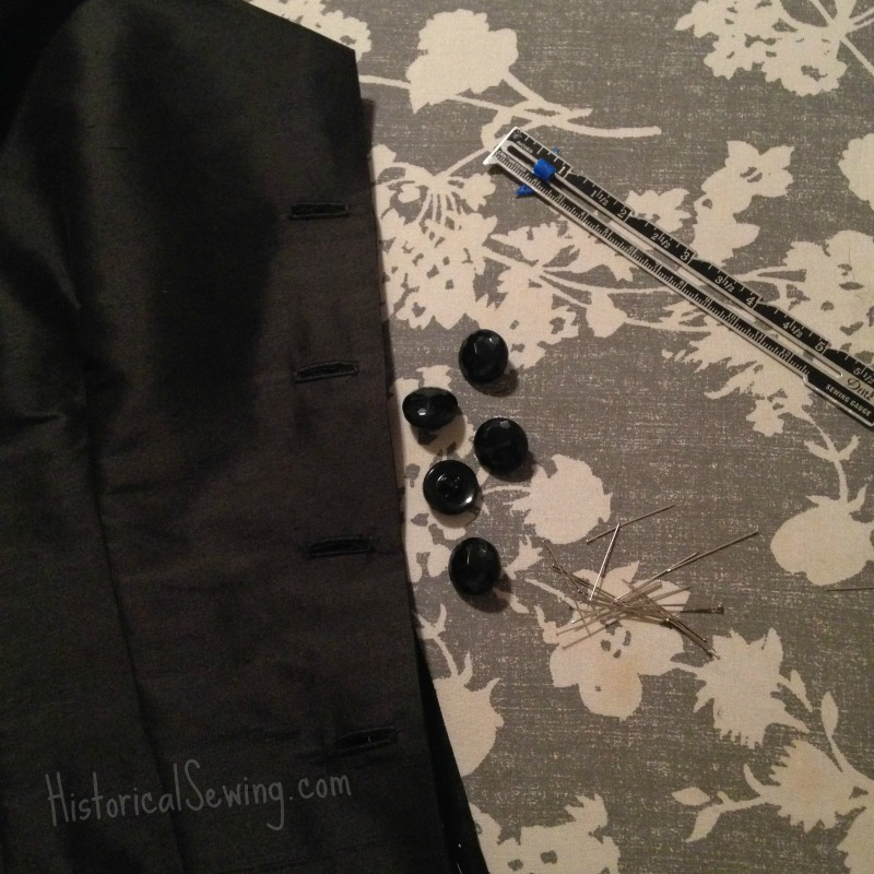 Buttonholes & glass buttons