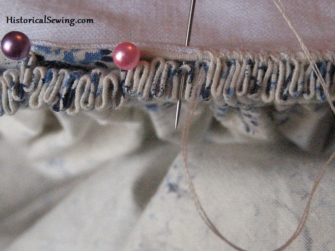How to Sew Cartridge Pleats | HistoricalSewing.com