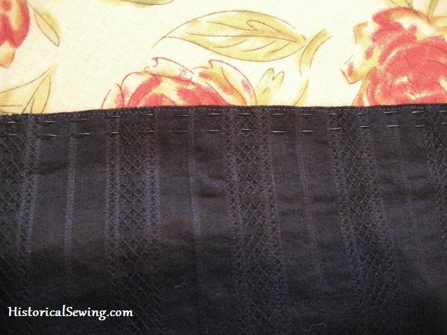 Cartridge pleat threads black