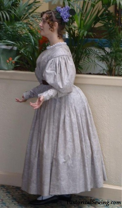 Jennifer's first 1830s dress in cotton paisley