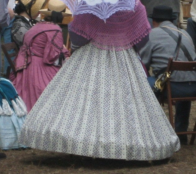 3 Tips to Prevent the Lampshade Hoopskirt
