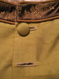Making Handsome Machine Buttonholes