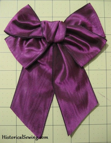 Ribbon Bow with Streamers | HistoricalSewing.com