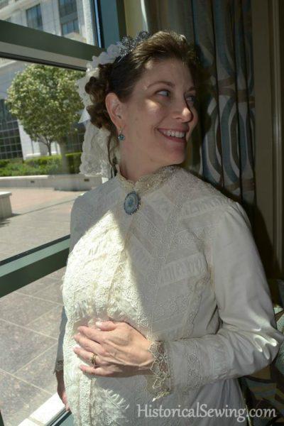 Sleeve & collar lace